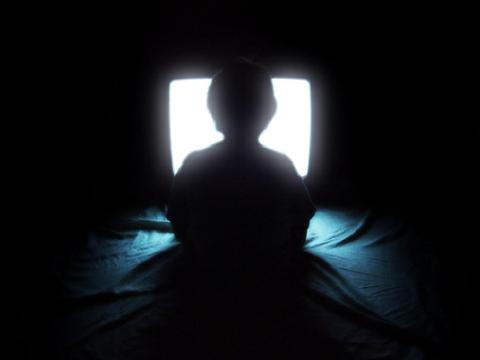 Una nueva ley para proteger a los menores de la publicidad perjudicial en televisión