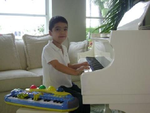 Un prodigio al piano con 9 años