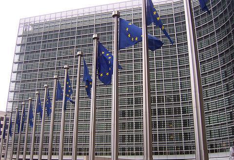 Bruselas propone endurecer las penas por pederastia y pornografía infantil
