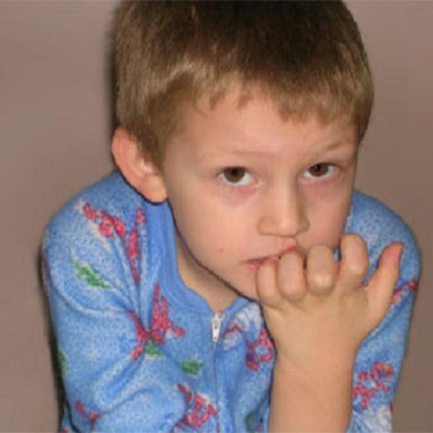 Se muerde las uñas: Como ayudarle a dejarlo