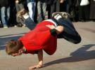 Breakdance para enseñar a los niños solidaridad