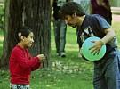 La pérdida de audición en un sólo oído también afecta al rendimiento del niño