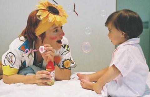 Los Doctores Sonrisa irán con los niños hasta el quirófano