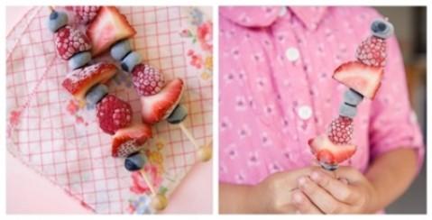 receta para niños brocheta de fruta helada