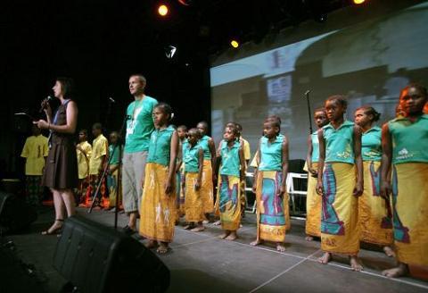 Gospel y solidaridad infantil en Laredo