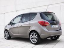 El Opel Meriva incluye un libro de instrucciones para viajar con niños