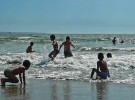 Pulseras para identificar a los niños en las playas de Vigo