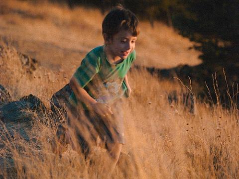 Los niños necesitan tener contacto con la naturaleza