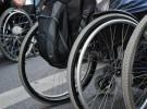 Robot ayuda a niños en silla de ruedas