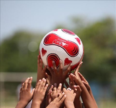 Fútbol con Corazón premiada por educar con el deporte