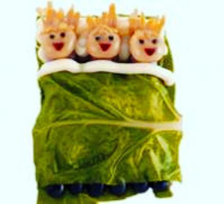 receta para niños: salchichas durmientes en acelgas
