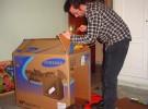 Manualidades con niños: casa de muñecas de cartón