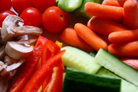 Dejar elegir al niño facilita que coma verdura