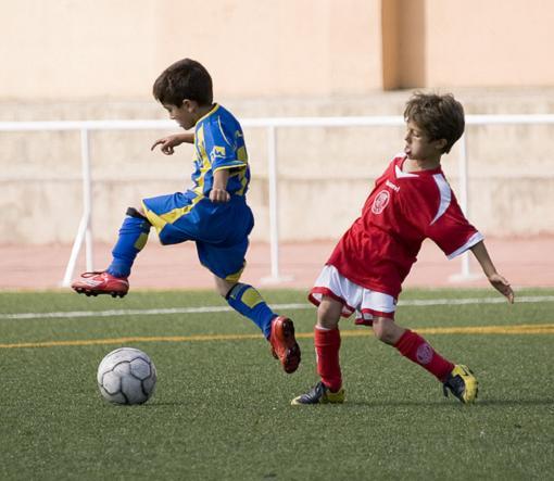 Denuncian la práctica abusiva de deporte en niños