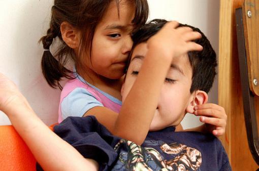 Interesante artículo sobre educación de hermanos de autistas