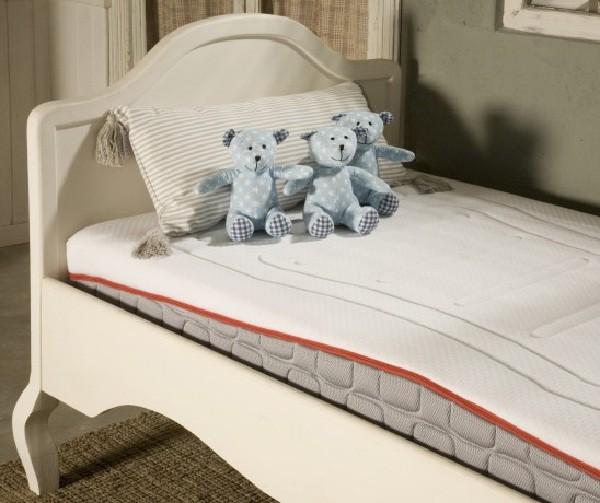 Un colchón que se adapta a las condiciones adecuadas a la edad del niño