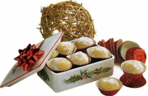 yemas almendra de regalo en navidad