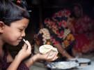 Niños inteligentes que comen sano