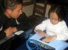 Dispositivo que permite «ver» con las manos a niños invidentes