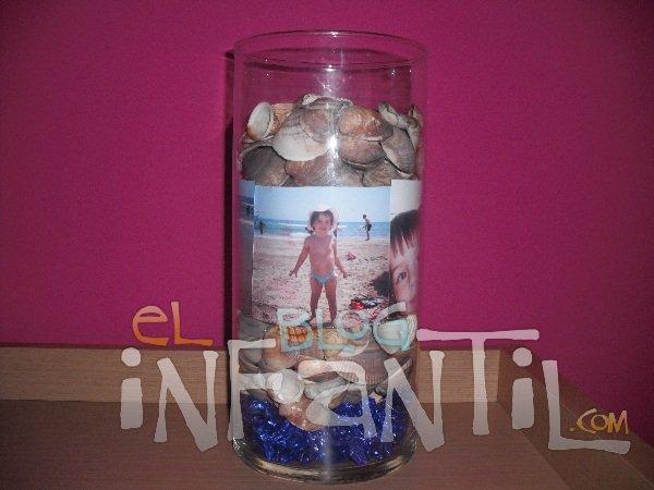 Conchas, arena, piedras y fotos para conseguir un recuerdo de las vacaciones