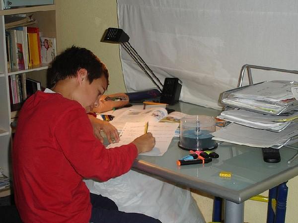 En Bélgica se plantean ampliar la jornada escolar para hacer allí las tareas