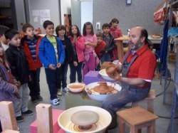 Escuela de ceramica para niños en Aviles