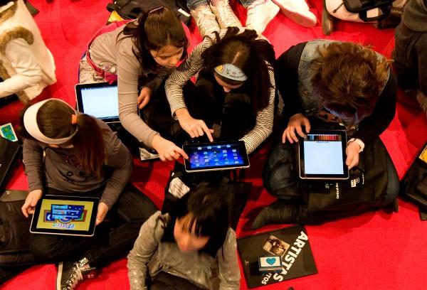 La policía aconseja como controlar la tecnología en los niños