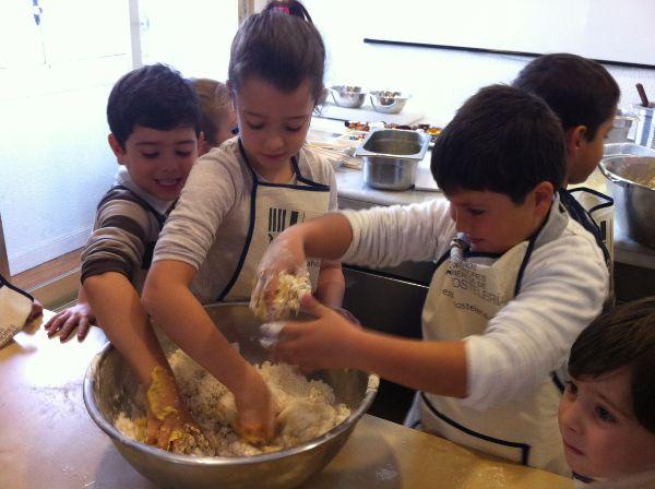 Aprender a hacer galletas es cosa de niños