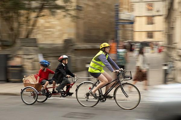 Celebra el día de la bici con tus hijos