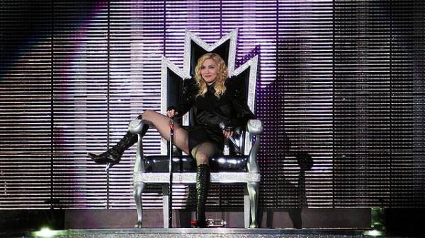 Madonna solidaria