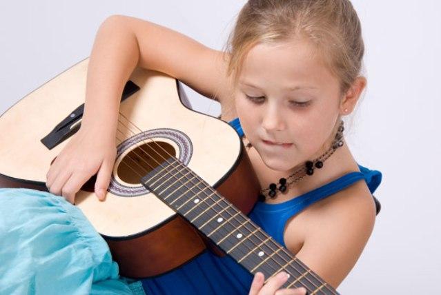 Los beneficios de estudiar música en la niñez