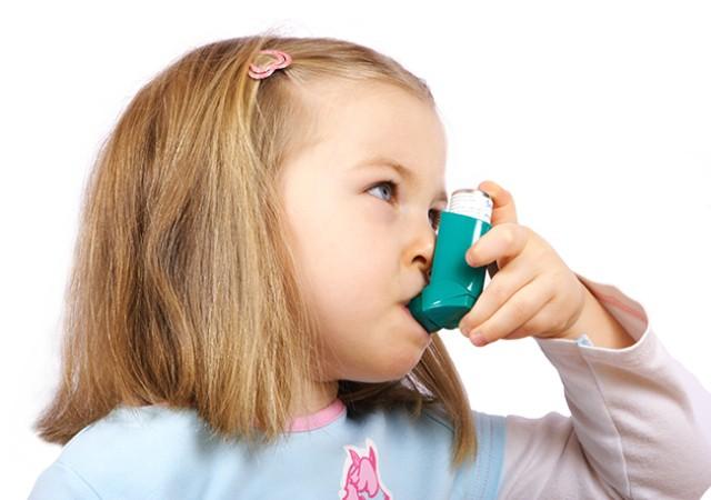 El asma infantil principal causa ingreso hospital