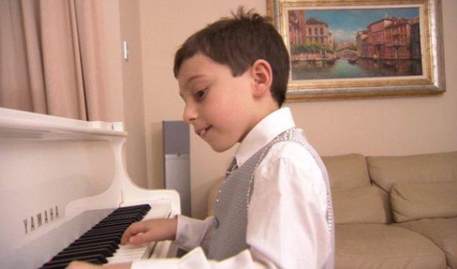 Curtis Elton prodigio al piano
