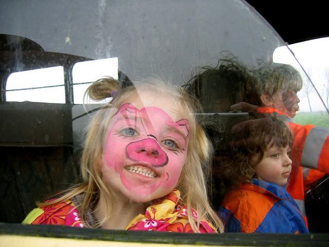 Demasiados niños sin retención en el coche