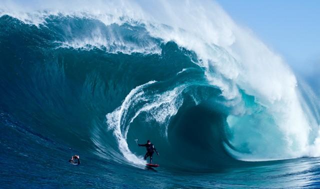 cine: storm surfers 3d