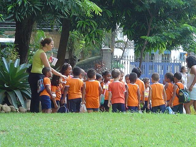 Ceaccu advierte de que no se puede imponer dónde comprar el uniforme escolar