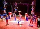 Niños gratis para ver el Gran Circo Americano a cambio de alimentos