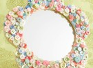 Manualidades infantiles: Espejo con botones de colores