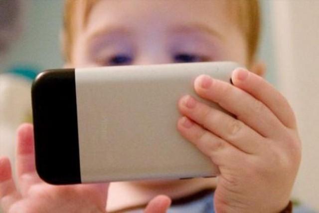 ¿Incultura o evolución? El lenguaje en los mensajes teléfonicos de nuestros hijos