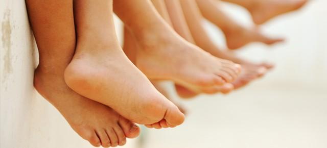 Los pies son diferentes de niños y niñas a partir de los 8 años