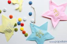 Manualidades de Navidad: Estrellas de papel para el árbol