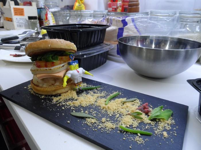 Hicimos una Burger Cangreburger con Bob Esponja (y te contamos cómo)