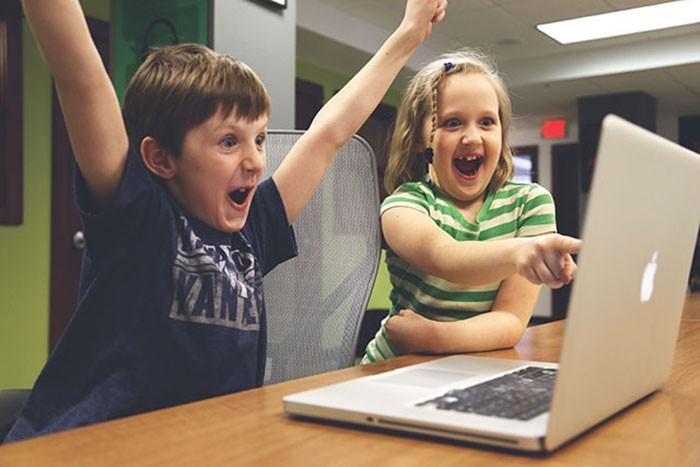 Siete consejos para que tus hijos naveguen seguros en internet