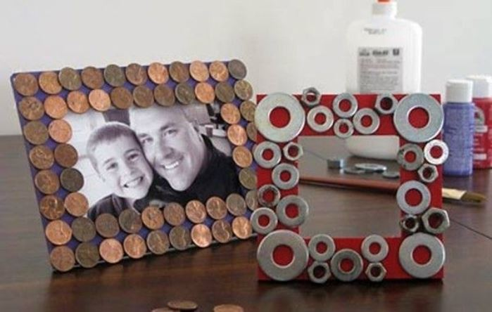 Portarretratos monedas y tuercas