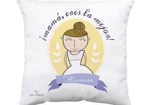 Ideas para el Dia de la Madre: cojín personalizado de Fun Choices