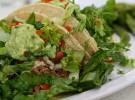 Cena mexicana: tacos de pollo y guacamole