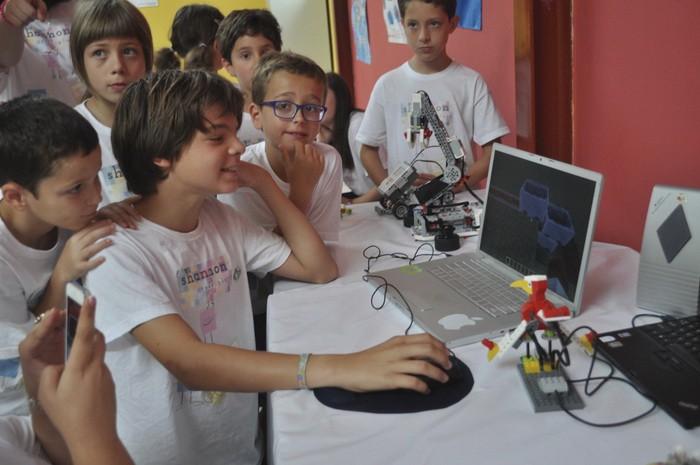 De campamento y aprendiendo a programar