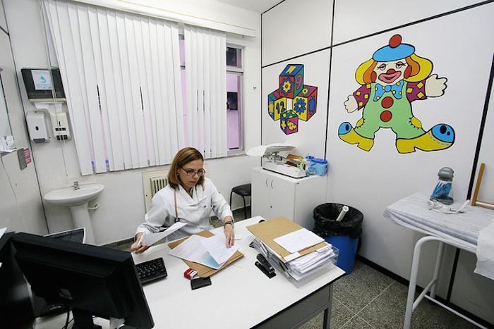 """Concurso """"diseña y dibuja la bata de tu pediatra"""", de la AEP"""