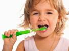 Más de la mitad de los niños no se lavan los dientes después de las comidas