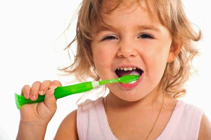 niños no se cepillan dientes